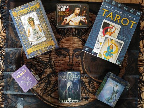 31 Days of Tarot Day One Xmas Goodies_123019 resize A